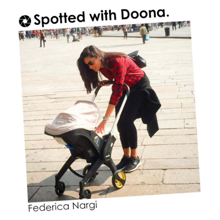 http://www.vanityfair.it/people/family-vip/16/09/30/federica-nargi-foto-figlia-sofia-passeggiata-alessandro-matri-gossip