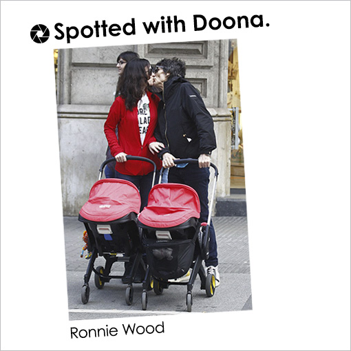 http://www.dailymail.co.uk/tvshowbiz/article-3740393/Papa-rolling-groan-New-dad-Ronnie-Wood-69-looks-weary-s-left-holding-baby-wife-Sally-38-chats-male-friend.html